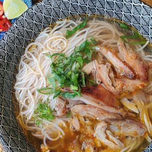 Vietnamese Kip Noedelsoep